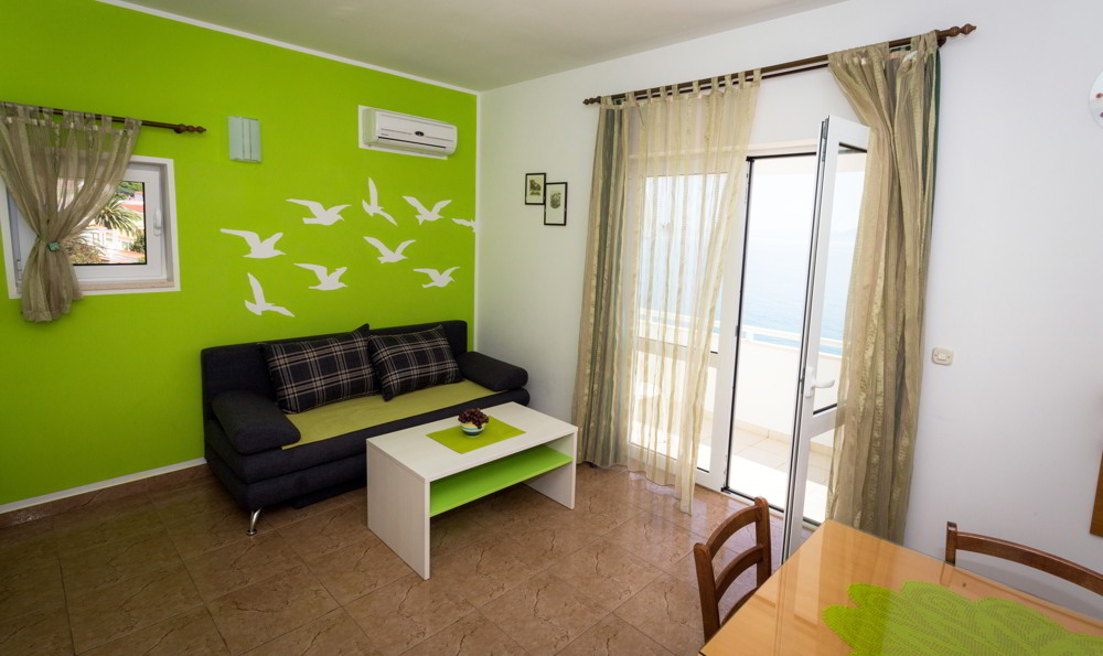 green-apartment-balkony-room
