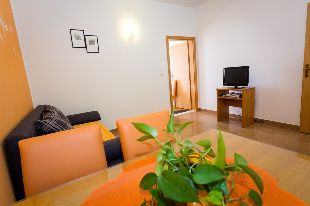 apartment-orange-bonaca2